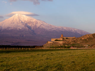 Ararat s kláštorom Khor Virap – tak ako ho poznáme z fotografií